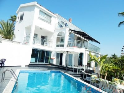 Villa Coral Bay Paphos 5 Bedrooms