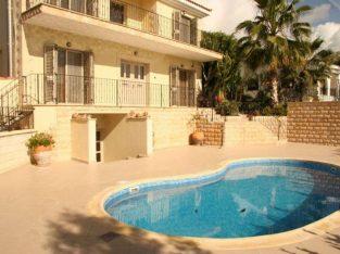 Exclusive villa, 3 bedrooms + 1 studio, 60 m from the sea