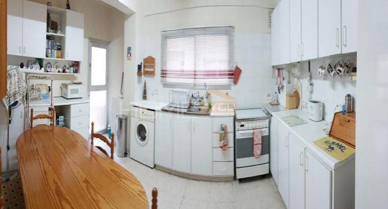 2 Bedroom Flat Molos Park Limassol