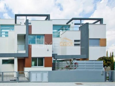 Contemporary Designed 3 Bedroom Villas