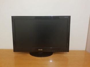 SABA LCD PC MONITOR AND TV 24""